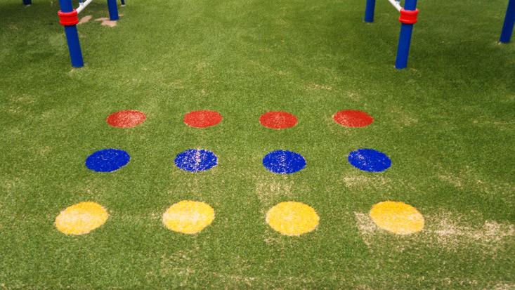 Kunstrasen mit Fallschutz für den öffentlichen Spielplatz