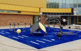 Kunstrasen mit Fallschutz für den öffentlichen Spielepark